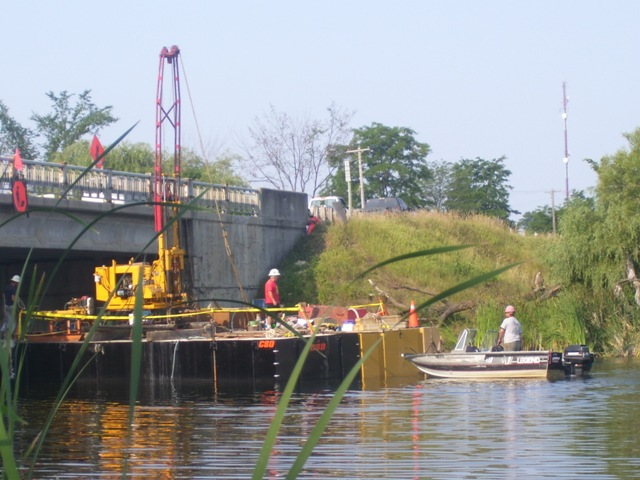 barge-under-bridge